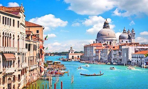 Canal Grande und Basilika Santa Maria della Salute in Venedig