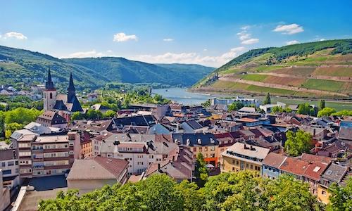 Bingen am Rhein mit Mäuseturm und Burg Ehrenfels